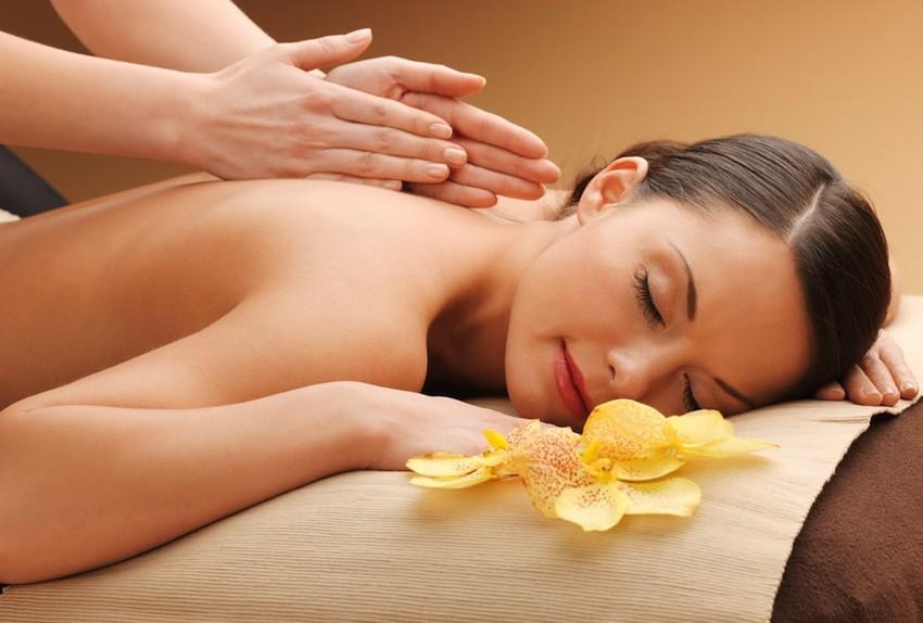masaj cu uleiuri esentiale earome