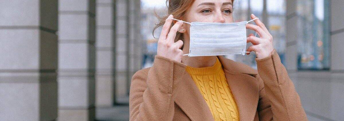 probleme cu tenul de la masca covid acnee